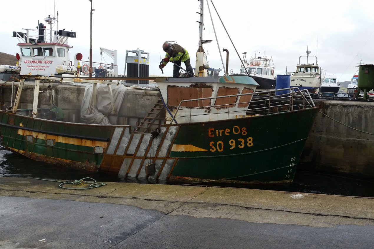 Boat before metal spraying
